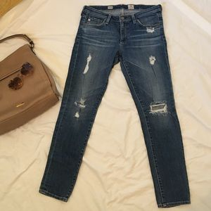 AG SZ 8 JEANS Stevie ankle ripped slim straight
